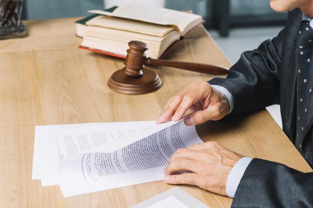 Que différencie un parajuriste d'un avocat ?