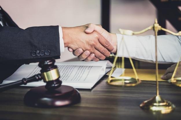 Les avantages de faire appel à un avocat pour des litiges interentreprises?